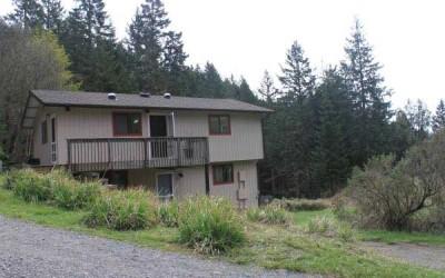 $830 | 1BR | 650 sq ft Fickle Hill Getaway