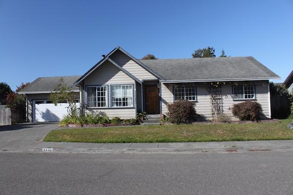 COMING SOON! 3 bed/ 2 bath, 1600 Sq Ft, $1,850 in Nice McKinleyville Neighborhood