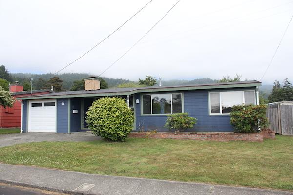 Arcata 4-Bedroom House – $2500